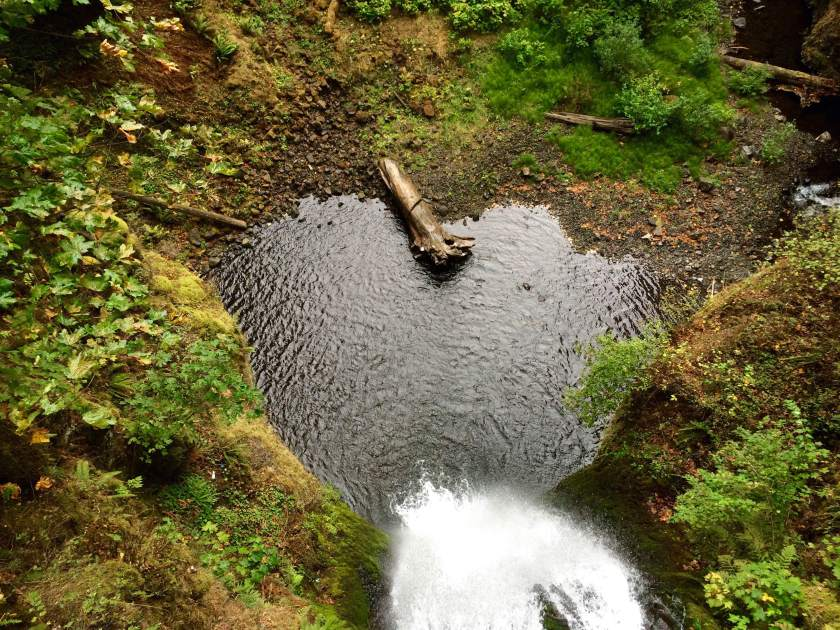 The bottom of the falls looks like a <3